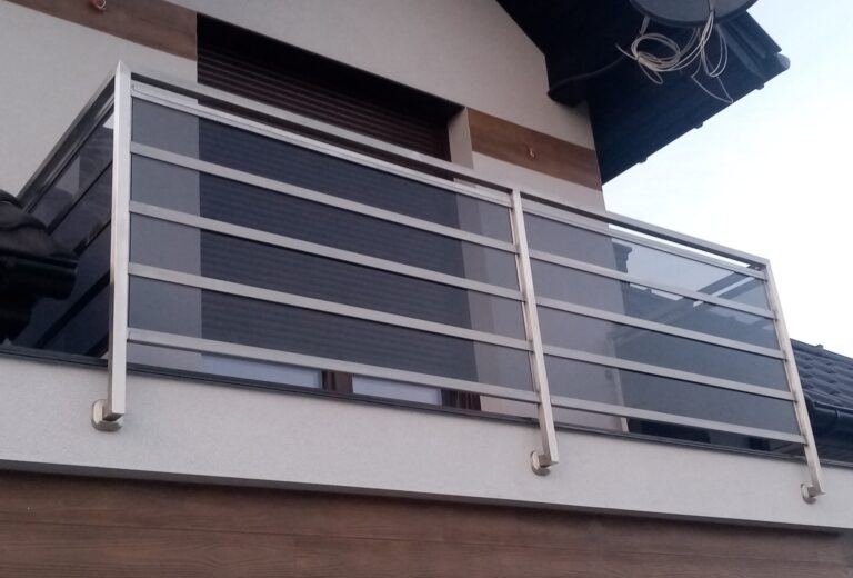 Balustrada nierdzewna z wypełnieniem szklanym