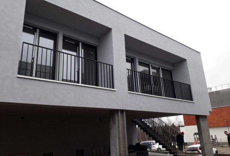 Balustrady malowane stalowe balkonowe i schodowe